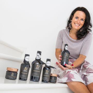 Doris mit Produkte Stiege